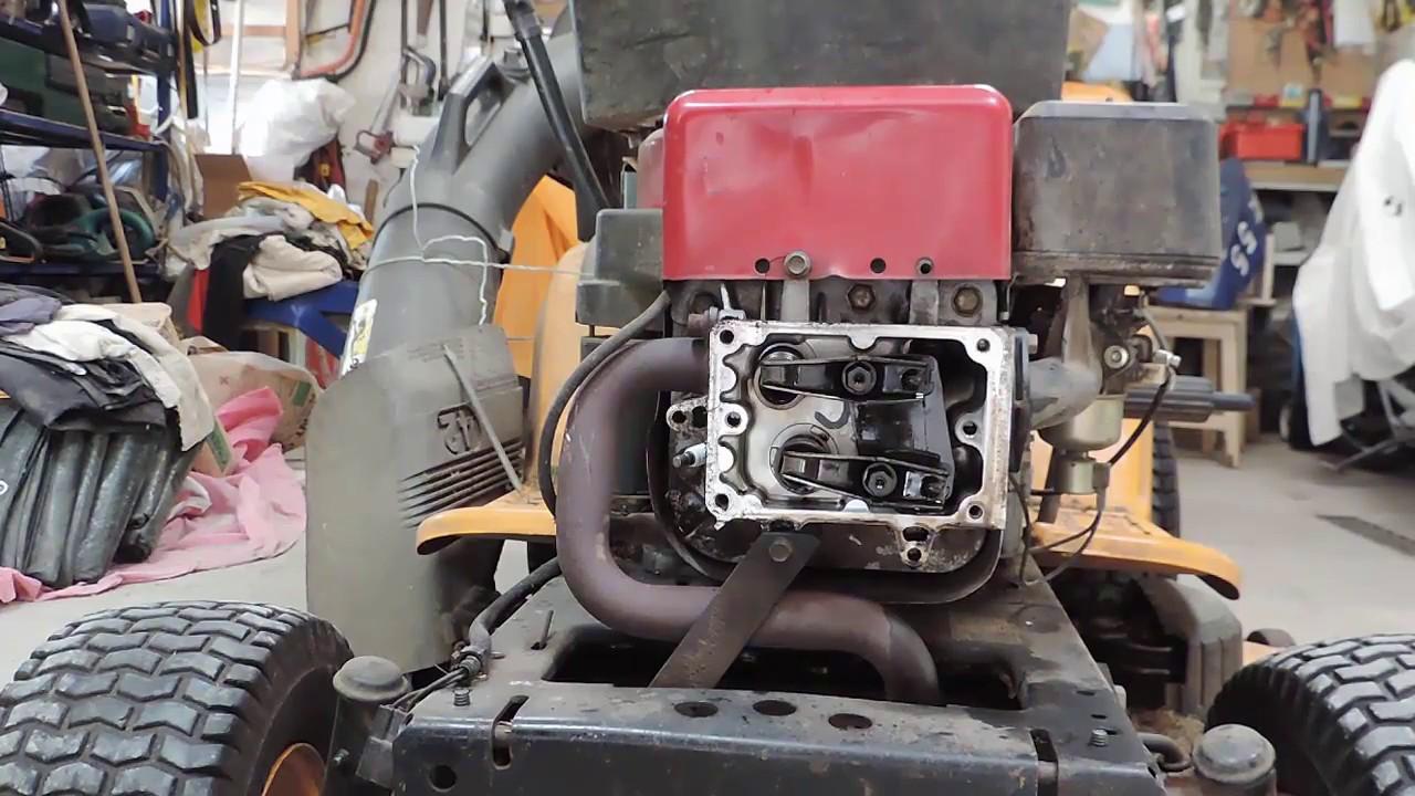 Comment Demonter La Culasse D Autoporte Tracteur Tondeuse Disassemble Cylinder Head From Lawn Mower Youtube
