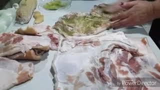 Прессованное мясо с головы и рулеты из тонкого сала