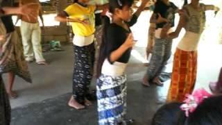 Bali 2008 - Tianyar centrum: traditionele dans.