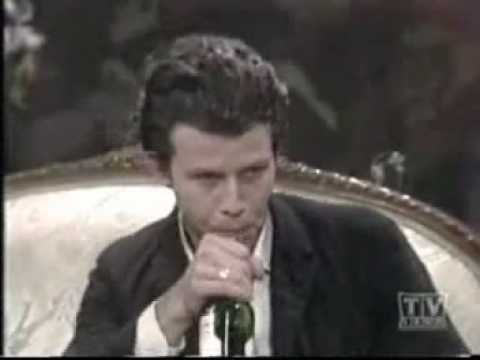 Tom Waits: The Piano Has Been Drinking -1977