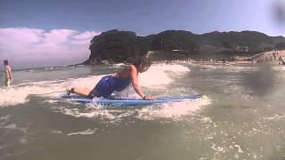 サーフィン初挑戦で伊豆の白浜にいってきました。 ロンブボードとファンボードを借りて 伊藤舞.