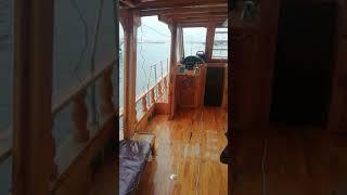 Судно для рыбалки в Средиземном море (Акдениз)