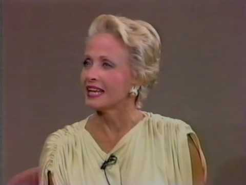 JANE POWELL, ONE OF FRED ASTAIRE'S DANCING PARTNERS, TALKS ABOUT WORKING WITH HIM, 1987 109