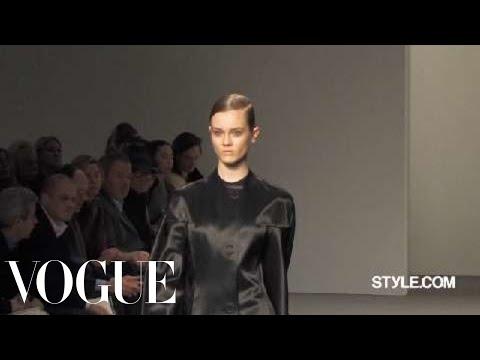 Fashion Show - Calvin Klein: Fall 2010 Ready-to-Wear