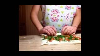 """Закуски:""""Рулет из лаваша с красной рыбой,творожным сыром и зеленью"""". Вкусно и быстро."""