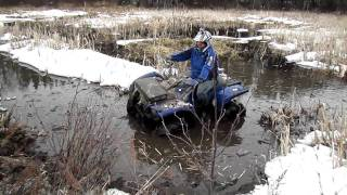 Grizzly 700 VS Artic Cat Mud Pro 700! Mudding!