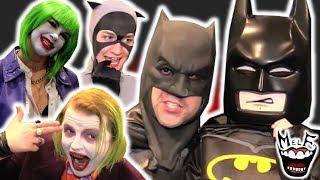 BATMAN vs JOKER vs CATWOMAN vs ROBIN vs NIGHTWING vs COMIC CON!