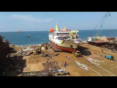 Peluncuran kapal perintis tol laut di Lamongan Marine Industri