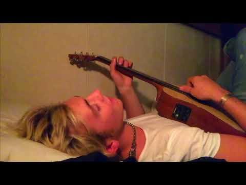 Ross Singing
