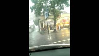Hujan di dalam mobil