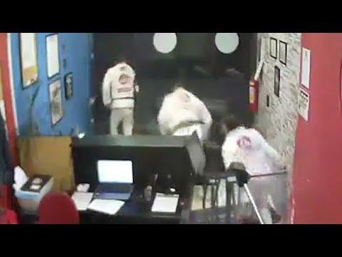 Would-be thief chased away by jiu jitsu students