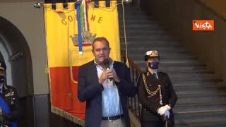 De Magistris lascia Palazzo San Giacomo: «Ho servito Napoli, auguro alla città ogni bene»