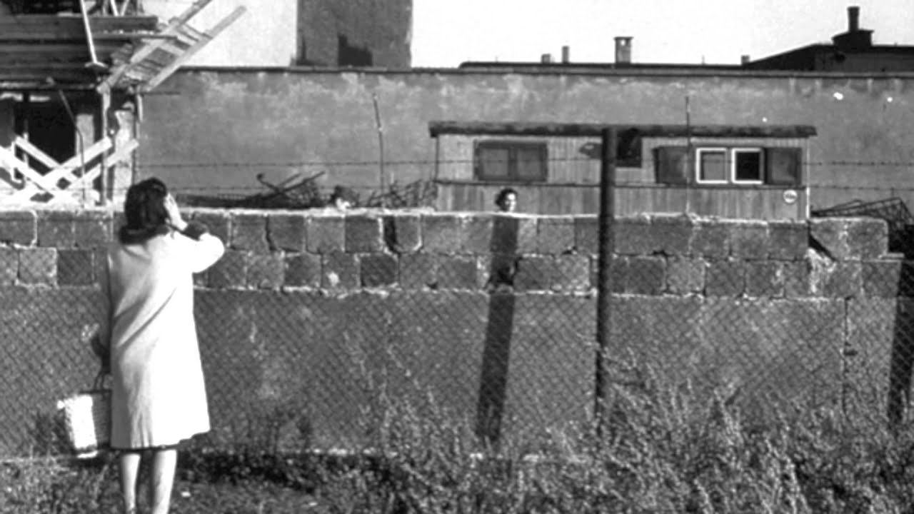 a history of the berlin wall The role of berlin wall in the history of the united states of america.