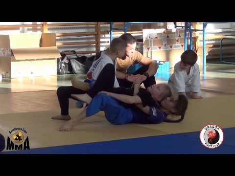Young Dragons U12 No Gi 34 kg Iunusova Z vs Balcerak A