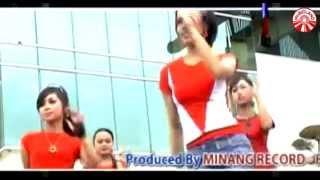 Download Dian Widya - Abang Roni [Official Music Video]