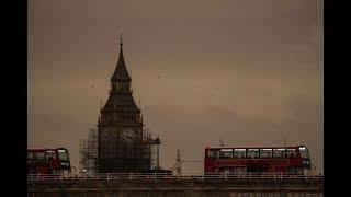 Huracán Ofelia cubre de rojo el cielo del Reino Unido