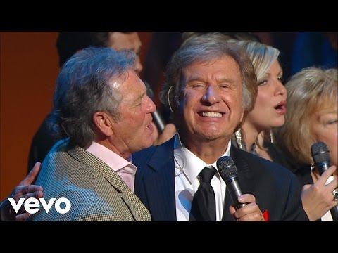 Gaither Vocal Band - Loving God, Loving Each Other [Live]
