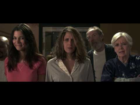 Un Padre No Tan Padre - Official Trailer [US]