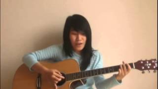 Chỉ là giấc mơ   Biển và ánh trăng Guitar cover by Lenore