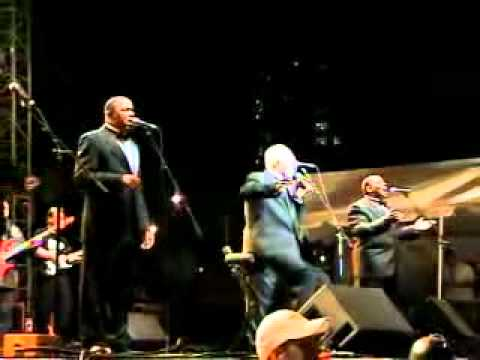 Bill Pinkney & The Original Drifters White Christmas