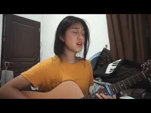 Cewek cantik main gitar suara merdu