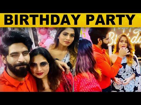 Shivani's 20th Birthday Party.., Cake ஊட்டி கொண்டாடிய Balaji Murugadass..! | BIGG BOSS | Tamil News