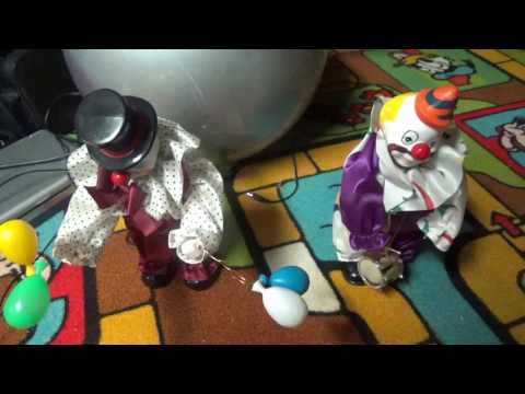 Animated Motionette Wind up music box clowns (Old video)