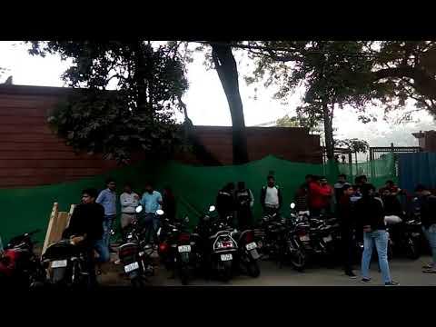Crowd outside Delhi CM house for cancel PRT 16/17 Paper