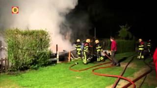 drie stacaravans gingen in vlammen op