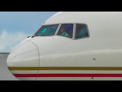 (1080p) 20+ MINUTES of Melbourne Airport Plane Spotting ● (Inc. A380, 747, A330, 777 & 787)