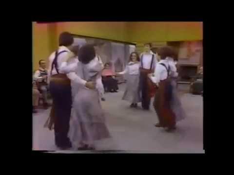 Mashup: La Danse à St-Dilon / Set Carré