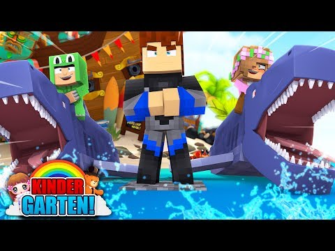 SHARK ATTACK AT THE BEACH - Minecraft Kindergarten