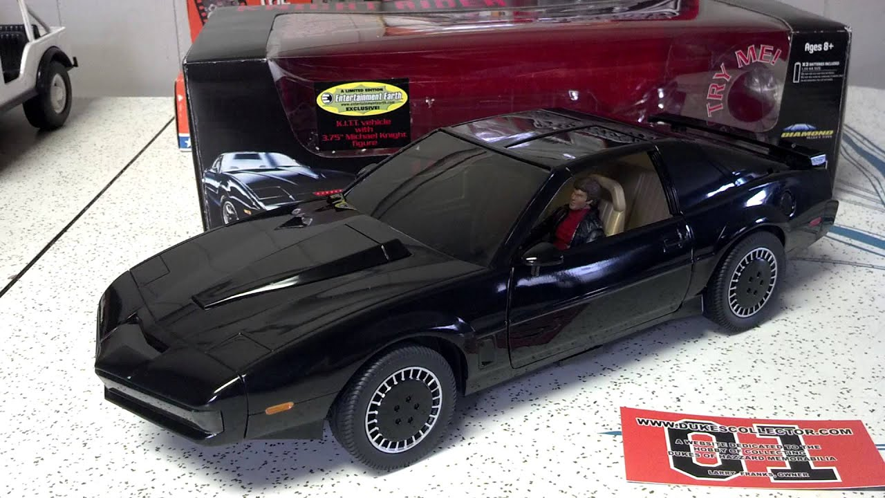 Diamond Select's 1/15 Knight Rider KITT Voice Car with Michael Knight  figure - DukesCollector com