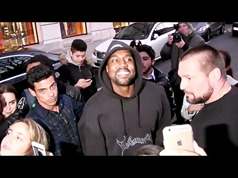 VERY NICE - Hip Hop artist makes a performance for Kanye West in front of his hotel making him happy