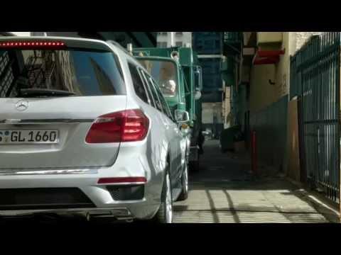 Mercedes-Benz GL 2013 - Verfolgungsjagd / new Mercedes GL-class 2012/13 - car chase