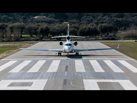 Falcon 7X Landing at La Môle -- Saint-Tropez Airport