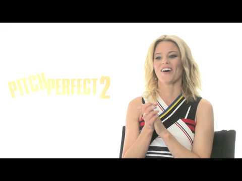 """Pitch Perfect 2: Director Elizabeth Banks """"Gail"""" Official Movie Interview"""