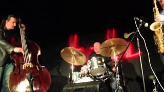 Gatto, Scannapieco, Bassi Trio - Pent up house