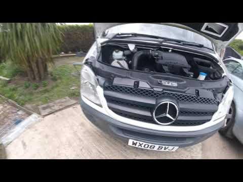 How to remove the front grille Mercedes Sprinter/ Как снять переднюю решетку Mercedes Sprinter