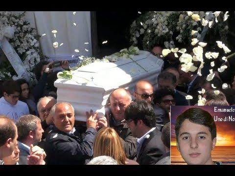 San Cipriano (CE) - I funerali di Emanuele Di Caterino ucciso ad Aversa -2- (11.04.13)