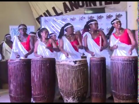 RWANDA WOMEN DRUMMERS