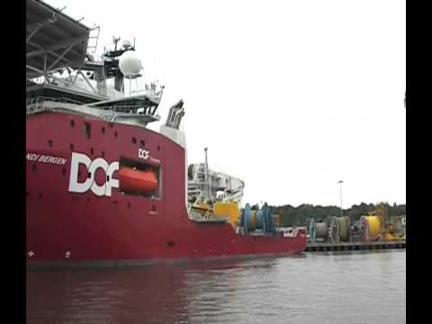 Skandi Bergen arrives at the Offshore Technology Park, River Tyne 21st July 2013
