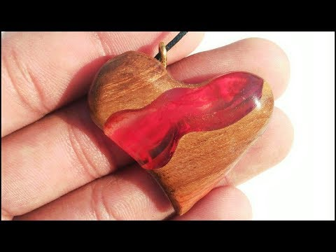 DIY Red river heart pendant necklace from epoxy resin and wood