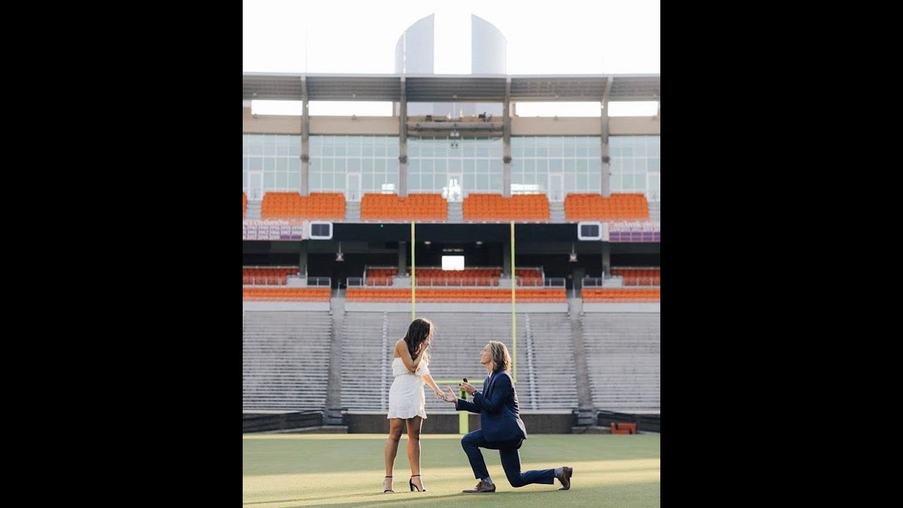 Clemson QB Trevor Lawrence proposes to girlfriend at midfield