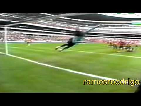 GUILLERMO OCHOA IN ACTION (INCLUDING SAVES AGAINST  CRISTIANO ROANLDO AND RONALDINHO)