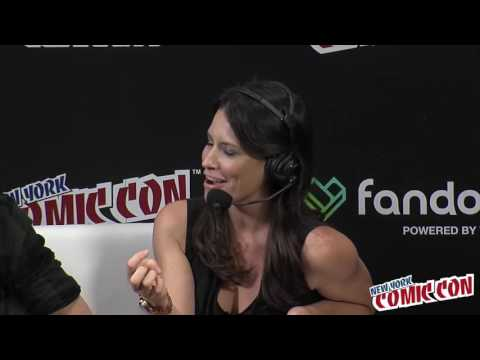 Evangeline Lilly Talks Squickerwonkers - NYCC 2016 - YouTube