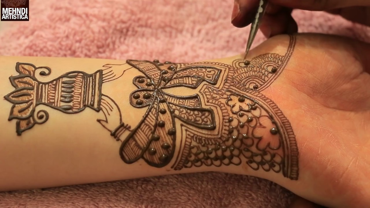 Kalash With Dulha Dulhan Hands Bridal Mehndi Design
