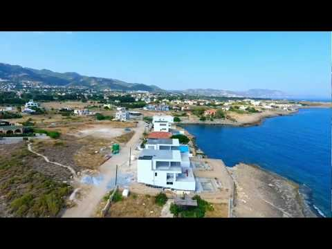 LUXURY SEAFRONT VILLAS