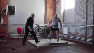 видео: Толкание ядра, тренировка Дениса Ананьева с Андреем Михневичем ч 1