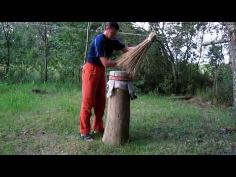 Первобытный улей.Как сделать улей колоду для пчел. Primitive hive.